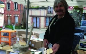 Fromager-du-marché_neung-sur-beuvron_2015
